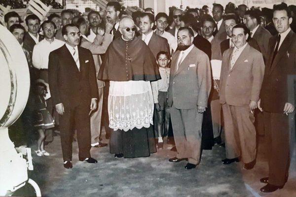 Momento Inaugurale della Fondazione. Il primo da destra è Nevio Maggiolo.